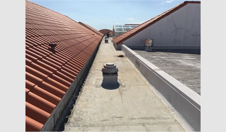 Photo 1: Miami roof with clay tile